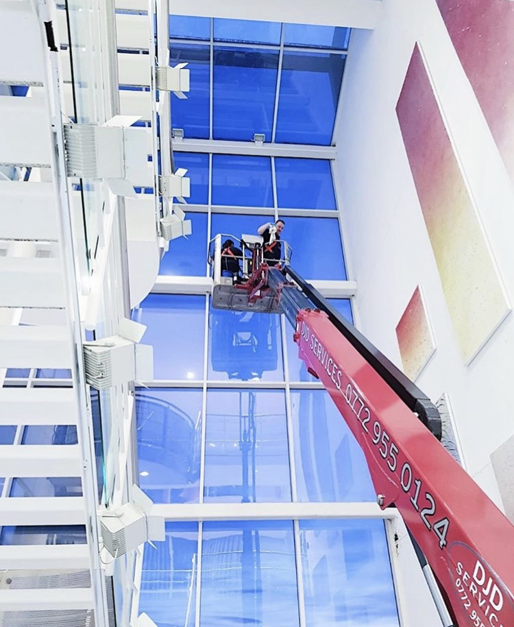 High Access Outdoor Glass Cleaning